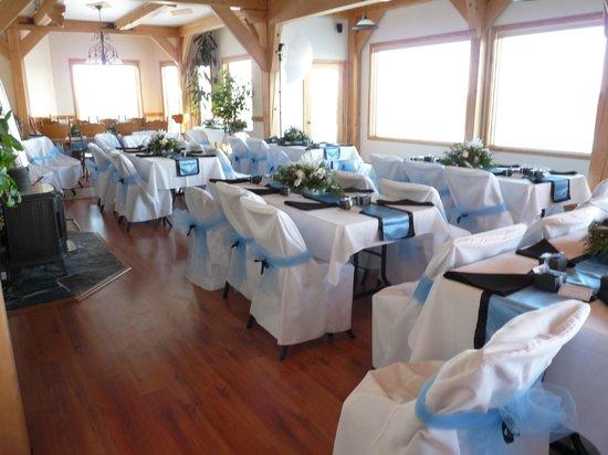 Denali Overlook Inn: Wedding Table & Chairs Set-Up