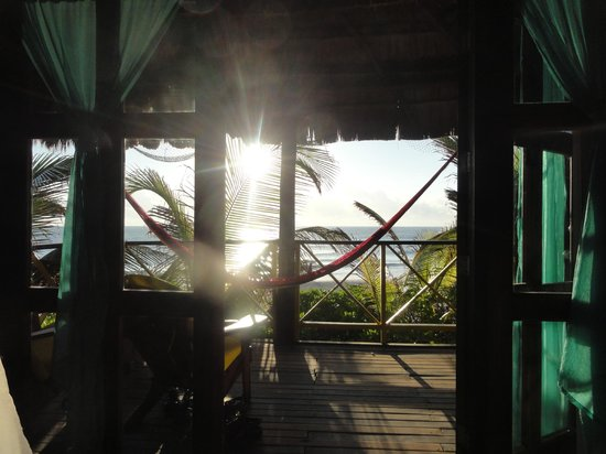 Nueva Vida de Ramiro:                   Caribbean sunrise from our bed