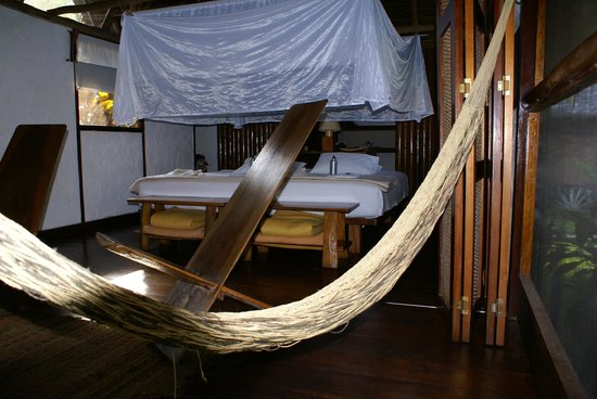 Inkaterra Reserva Amazonica: Our bed in Inkaterra