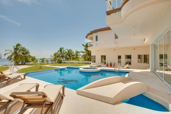Grand Caribe Belize Resort and Condominiums: Pool at Grand Caribe's Mansion, San Pedro, Ambergris Caye