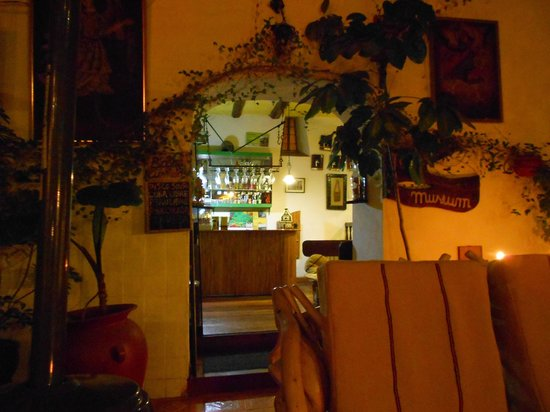 Hostal Cusi Wasi :                   bar