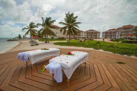 Grand Caribe Belize Resort and Condominiums: Outdoor Spa Deck