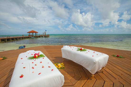 Grand Caribe Belize Resort and Condominiums: View from Outdoor Spa Deck