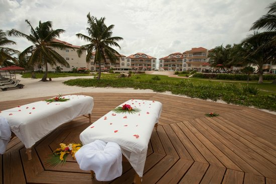 Grand Caribe Belize Resort and Condominiums: View of Grand Caribe Resort from Outdoor Spa Deck