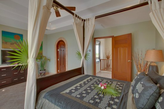 Grand Caribe Belize Resort and Condominiums: Unit C9 - 3 Bedroom Suite - Guest Bedroom