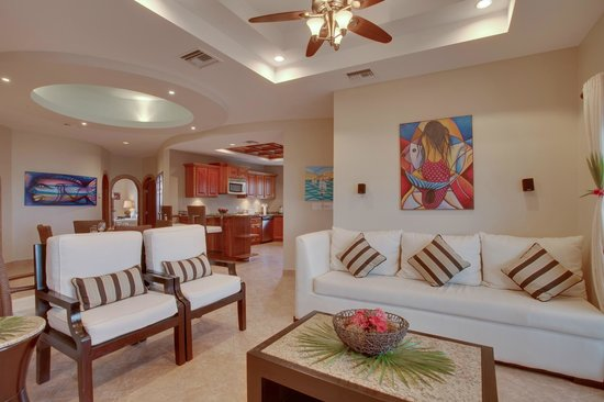 Grand Caribe Belize Resort and Condominiums: Unit C9 - 3 Bedroom Suite - Living Room
