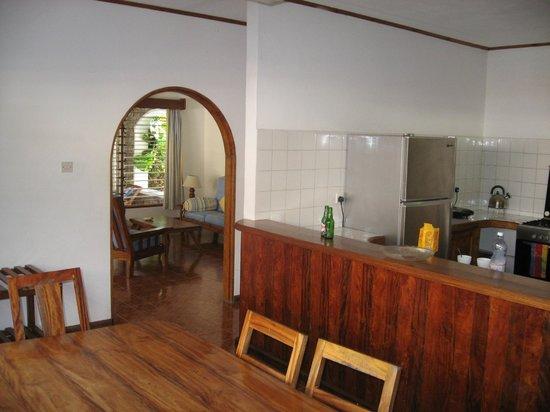 L'Hirondelle:                   cucina