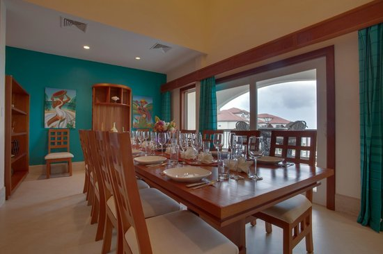 Grand Caribe Belize Resort and Condominiums: Unit D7 - 3 Bedroom Suite - Spacious Dining Room