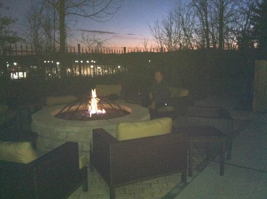 Courtyard Asheville: Patio area with gas fire pit