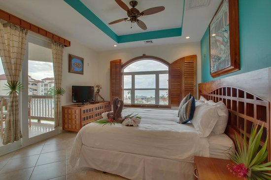Grand Caribe Belize Resort and Condominiums: Unit E4 - 2 Bedroom Suite - Spacious Master Bedroom