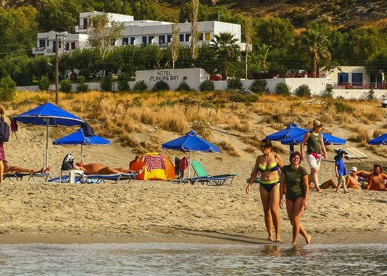 Plakias Bay Hotel: Beach & Hotel