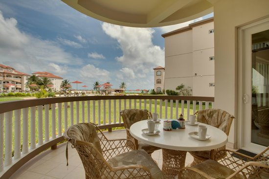 Grand Caribe Belize Resort and Condominiums: Unit F2 - 2 Bedroom - View from Patio
