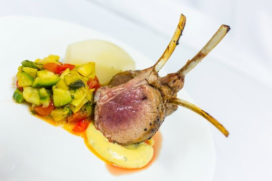 Luciano's: Grilled Lamb Cutlet