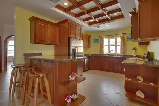 Grand Caribe Belize Resort and Condominiums: Unit F9 - 3 Bedroom Suite - Fully-Equipped Kitchen