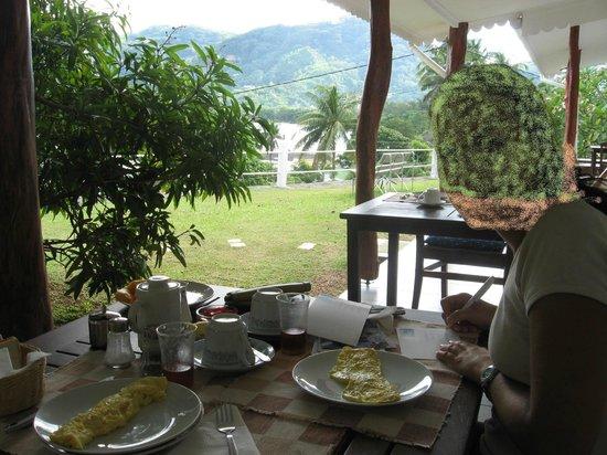 Choice Villa:                   vista colazione