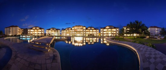 Grand Caribe Belize Resort and Condominiums: Grand Caribe Belize Resort & Condominiums - Scenic Night View