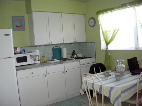 Angelfish Inn:                   Kitchen