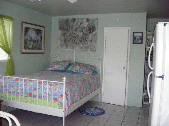 Angelfish Inn:                   Bedroom