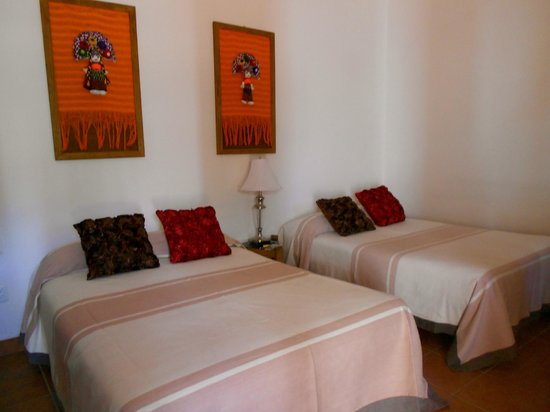 Casa Los Arquitos B&B:                   Our double beds