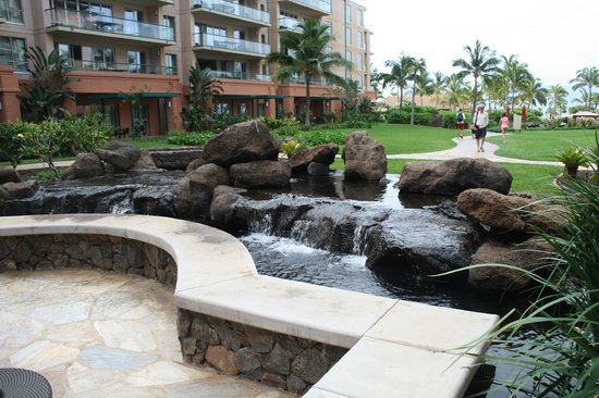 Honua Kai Resort & Spa:                   The perfectly groomed gardens and outdoor lounge areas