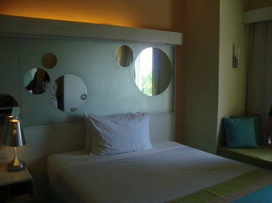 BE Resort, Mactan:                   our room