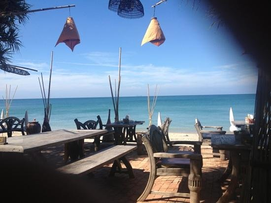 Clean Beach Resort: The view from the restaurants seating area
