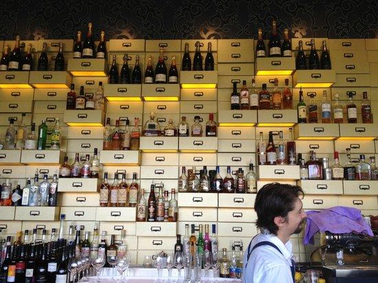 Cove Bar & Dining:                   Bar