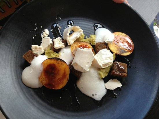 Cove Bar & Dining:                   Dessert