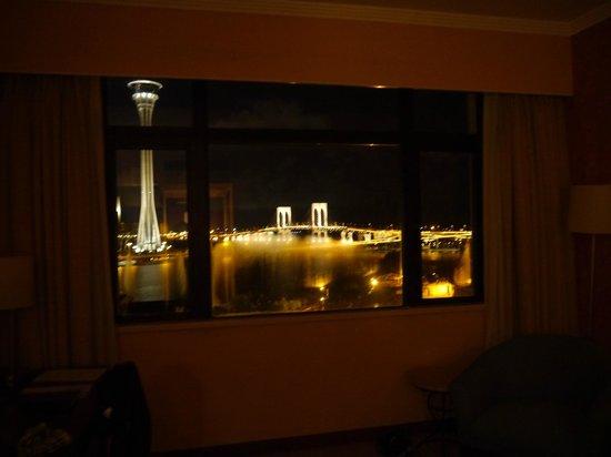 Riviera Hotel:                   窓からの景色