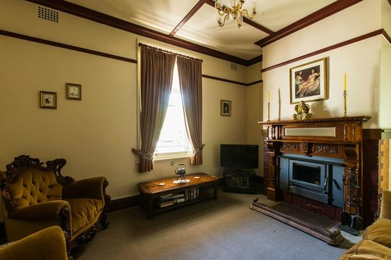 Beaufort House: Formal Guest Lounge