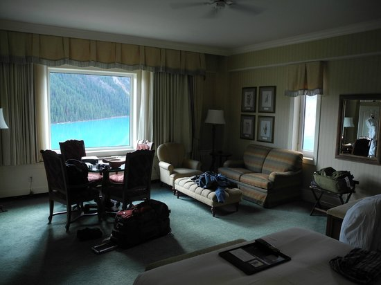 Fairmont Chateau Lake Louise: From the door of my room