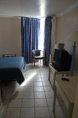Junkanoo Beach Resort: Room 503