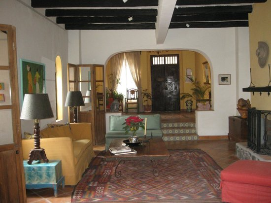 Casa de la Noche:                   This is the front entry area.