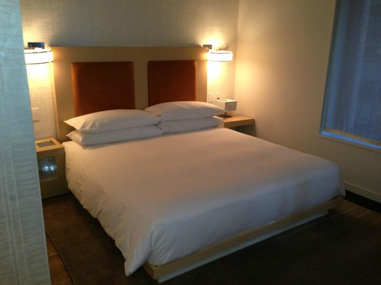 Andaz Wall Street: Bed