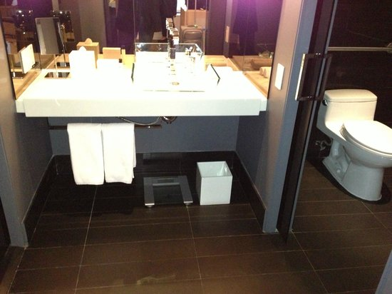 Andaz Wall Street: Bathroom