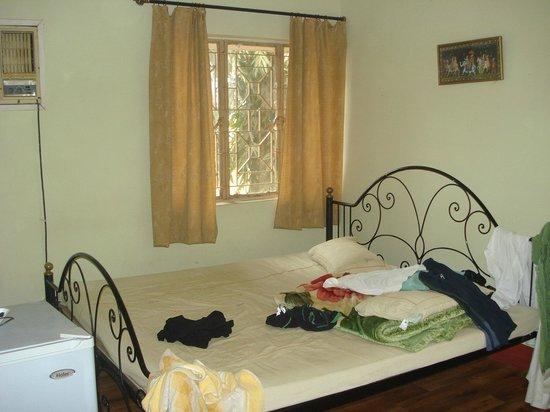 Hotel Basundhara: Bedroom