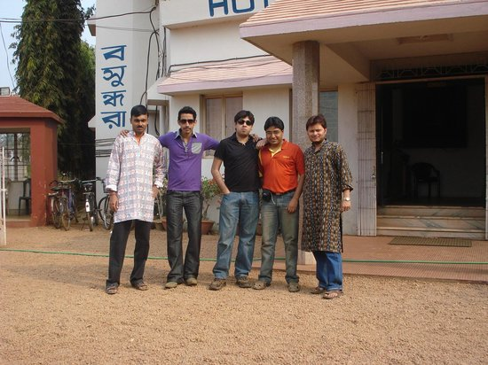 Hotel Basundhara: Frends at the Front