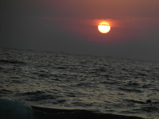 Ozran Heights Beach Resort:                   SUN SET