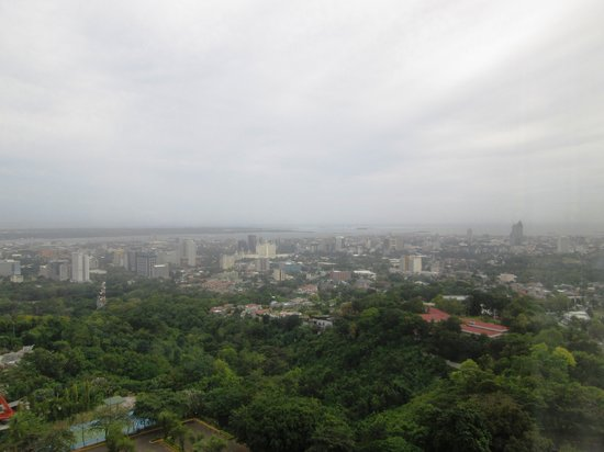Marco Polo Plaza Cebu: Sea / City View from my room