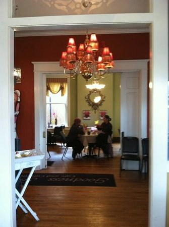 Goodness Gracious Catering & Cafe:                                     Beautiful Foyer