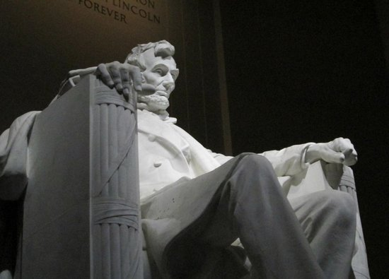 The Dupont Circle:                   Lincoln Memorial viewed at night/                 