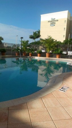 Homewood Suites by Hilton Fort Myers Airport / FGCU:                   Pool view in January