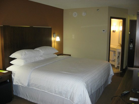 فور بوينتس باي شيراتون مينيابوليس إربورت:                   Room 417                 