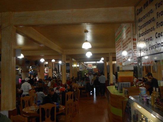Barbacoa Santiago: El lugar es grande y se tarda mucho en sentarse sugiero llegar antes de las 10am