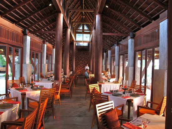 Marriott's Phuket Beach Club:                                                       Ginja Restaurant