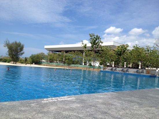 """Century Langkasuka Resort:                   la plus belle """"chose"""" de cet hôtel est la piscine."""