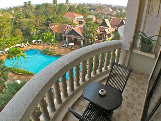 The Privilege Floor by BOREI ANGKOR :                   pool view suite