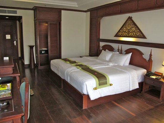 The Privilege Floor @Borei Angkor:                   our sunset suite