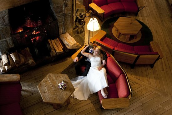 Timberline Lodge:                   awesome wedding