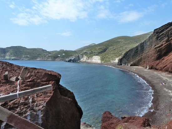 Dana Villas:                   Red sand beach